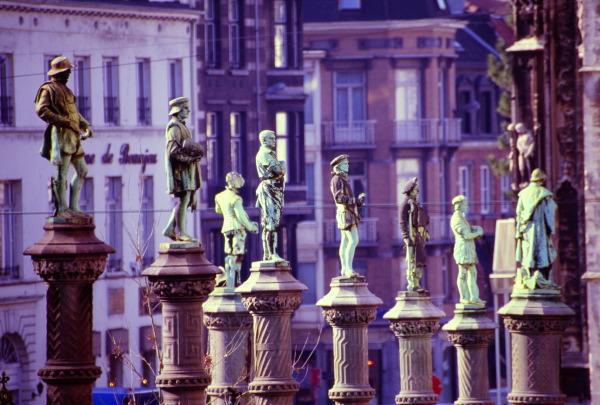 Petit sablon for Statue de jardin belgique